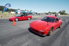 Classic NSX vs Mazda RX-7 FD race will drag you back to the '90s