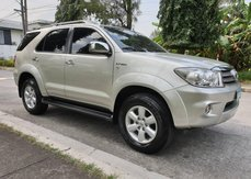 Toyota Fortuner 2009 G Gas Automatic Casa Maintained