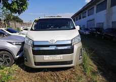 HOT!! Selling 2020 White Toyota Hiace at affordable price