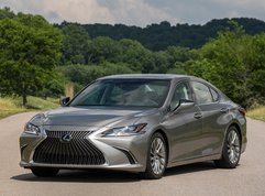 Lexus ES 2019 Philippines Review: New level of comfort, tech & refinement