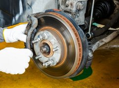 Pros & Cons of DIY car brake replacement