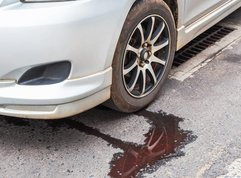 A guide with 4 DIY steps to deal with car radiator leak
