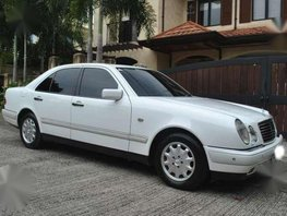 1999 Mercedes Benz E 240 Elegance White AT White Leather Fresh