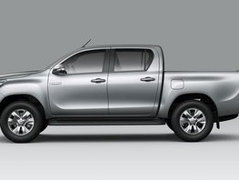 Selling Silver Toyota Hilux 2019 Automatic Diesel