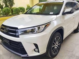 2017 Bnew Toyota Highlander AT AWD FOR SALE