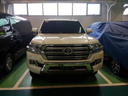 White 2019 Toyota Land Cruiser for sale in Taguig