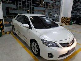 Toyota Corolla 2012 2.0V AT White For Sale