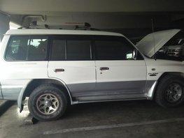 Well-maintained Mitsubishi Pahero 2000 for sale