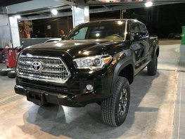 New 2018 Toyota Tacoma with TRD OffRoad For Sale