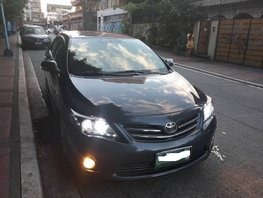 Good as new Toyota Corolla Altis V 2009 for sale