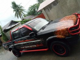 FOR SALE 1995 TOYOTA HILUX 200K