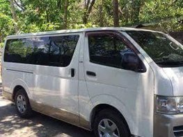 Toyota Hi Ace Commuter 2005 White For Sale