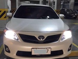 2012 TOYOTA Altis Pearl white 2.0 V Top of the Line