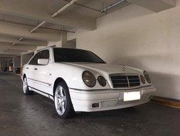Mercedes-Benz E420 2000 Gasoline Automatic White