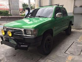 Toyota Hilux 2001 2L engine very fuel efficient