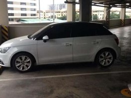 2013 Audi A1 1400cc two-toned Very good condition
