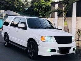 2004s Ford Expedition SVT TOP OF the line variant