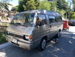 Mitsubishi L300 2000 versa van for sale