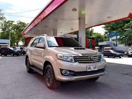 2015 Toyota Fortuner V 4X4 AT Fresh
