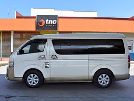 2nd Hand Van White 2015 Toyota Hiace for sale