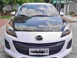 White 2014 Mazda 3 for sale