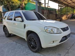 Selling 2nd Hand Ford Escape 2011 in Bacoor