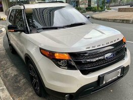 Selling 2nd Hand 2015 Ford Explorer in Taguig