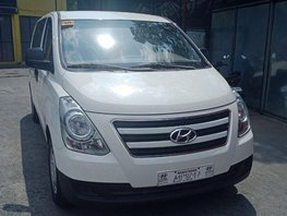 Selling 2nd Hand Hyundai Starex 2016 in Cainta