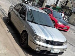 Selling 2nd Hand Ford Lynx 2004 in Pulilan