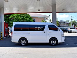 2nd Hand 2014 Toyota Hiace Van for sale in Lemery