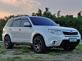 Selling 2nd Hand Subaru Forester 2010 Automatic Gasoline