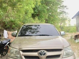 Selling Used Toyota Hilux 2006 in Consolacion