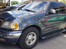 Sell 2nd Hand 2001 Ford Expedition Automatic Gasoline at 150000 km in Quezon City