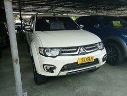 White Mitsubishi Montero Sport 2015 at 10000 km for sale in Cebu City