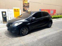 Selling 2nd Hand Mazda 2 2014 Hatchback in Makati