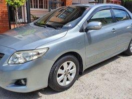 Selling 2010 Toyota Corolla Altis Gasoline at 82000 km