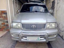 Selling 2nd Hand Toyota Revo 2002 Automatic