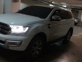 Selling 2nd Hand White 2016 Ford Everest Diesel