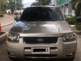Selling 2nd Hand Ford Escape 2006 in Malolos