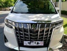 Pearl White Toyota Alphard 2019 for sale in Pasay