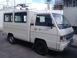 Sell 2nd Hand 2013 Mitsubishi L300 Manual Diesel at 130000 km in Parañaque