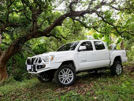 Selling 2nd Hand Toyota Tacoma 2013 Automatic Gasoline at 21000 km in Quezon City