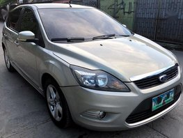 Selling 2nd Hand Ford Focus 2010 in Quezon City