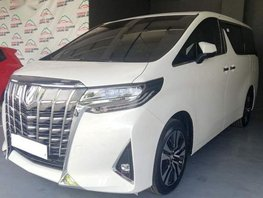 Selling Brand New Toyota Alphard 2019 in Quezon City