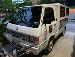 Selling 2nd Hand Mitsubishi L300 2014 in Malolos