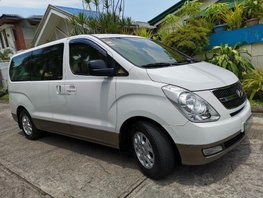 Selling Gold Hyundai Grand Starex 2013 at 70000 km in Las Piñas