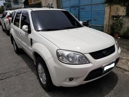 Selling 2nd Hand Ford Escape 2009 in Makati