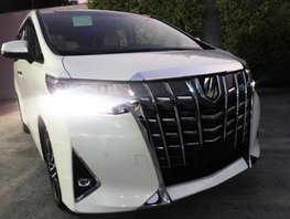 Selling Pearl White Toyota Alphard 2019 Automatic Gasoline in Quezon City
