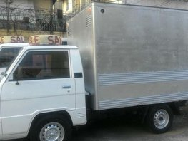 Selling 2nd Hand Mitsubishi L300 2012 Van Manual Diesel at 80000 km in Quezon City