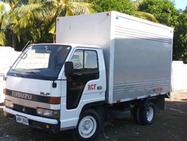 Selling 2nd Hand White Mitsubishi CanterA 2013